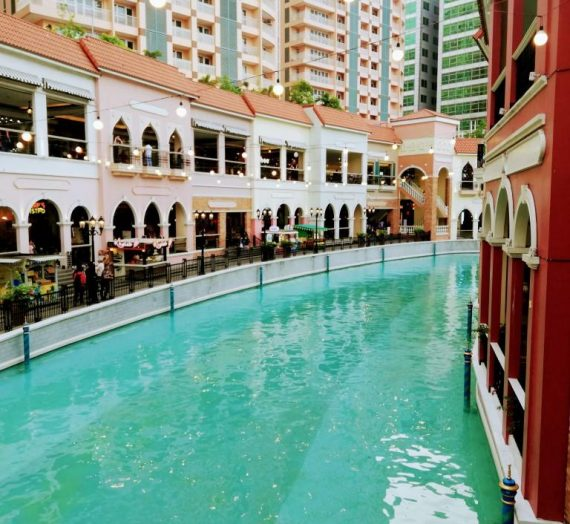 Venice Grand Canal Mall in Taguig